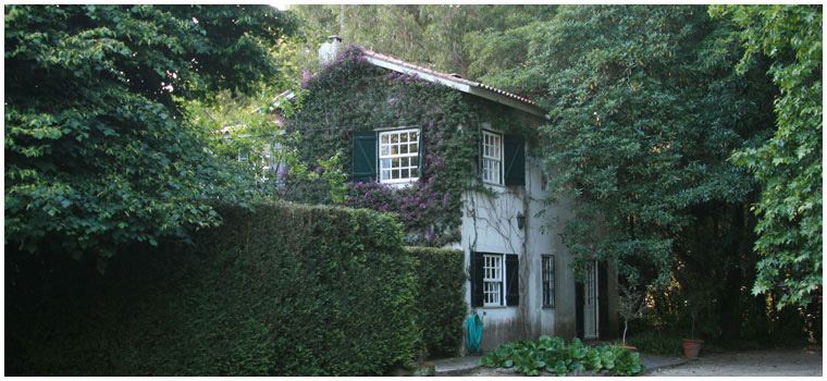 Casa de Esteiró_Contact Us
